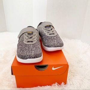 Nike Flex Contact sneaker boy size 12.5C